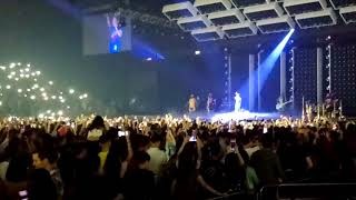 Bruno Mars 2018 Hong Kong concert Versace on the floor