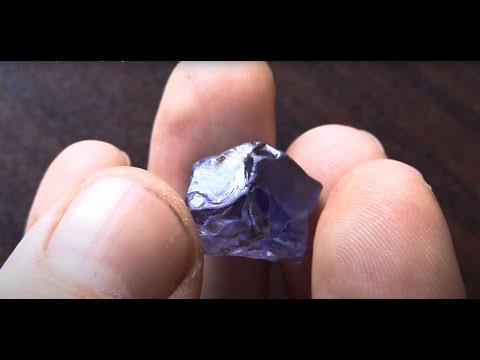 """Vato Masina I"": Sapphires rush near Bemainty, Madagascar (first part)"