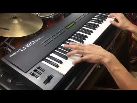 Roland U-20 - Exploring the Presets - MIDIVERSE MONDAYS #5