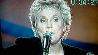 Watch Anne Murray Blue Finger Lou video