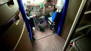 Дальнобой США/  Солнцезащитные москитные сетки / Шикарные ковры в салоне грузовика Volvo VNL780