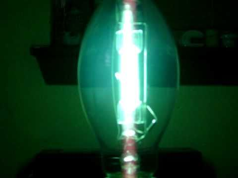 175 Watt (Clear) Mercury Vapor Lamp Start Up - YouTube