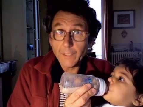 Vidéo PAPA TOTOTTE, un papa un peu dépassé par bébé...