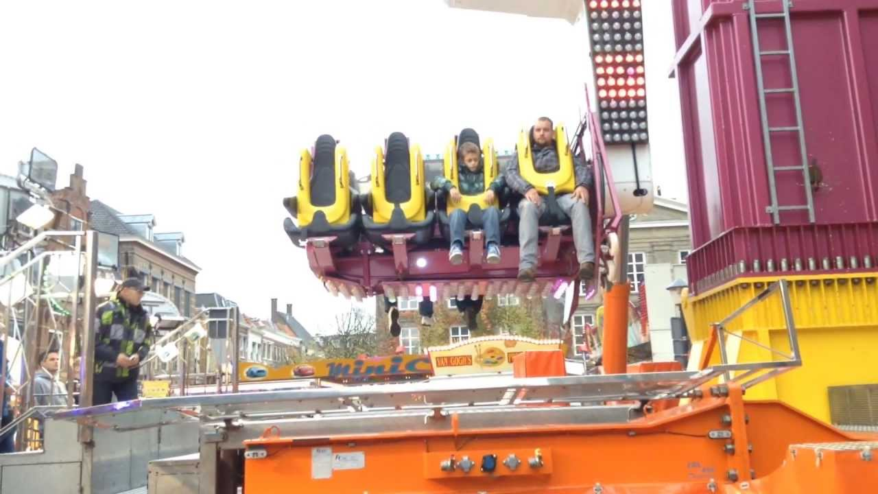 Booster MaxXx de Voer offride kermis Gorinchem 2013 - YouTube