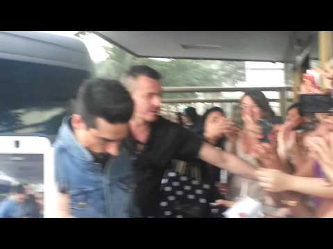 Backstreet Boys Saindo Do Hotel No Rio E Kevin Atendendo Os Fãs