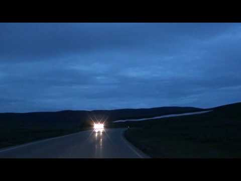 cleeef's Yellowstone in HD clip #6 - Grizzly bear crossing road