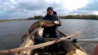 Рыбалка. Ловля сома в октябре 2016  | FishingVideoUkraine