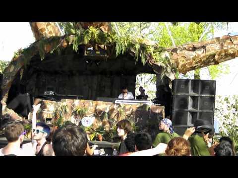 DJ ZINC live @ Coachella 2011 *HD*