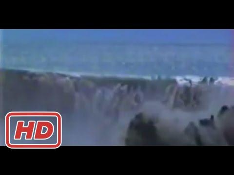 [ Mr Anton ] TIN MINE EXCAVATED TOO CLOSE TO THE OCEAN CAUSES MASSIVE LANDSLIDE!!! - MALAYSIA 1993