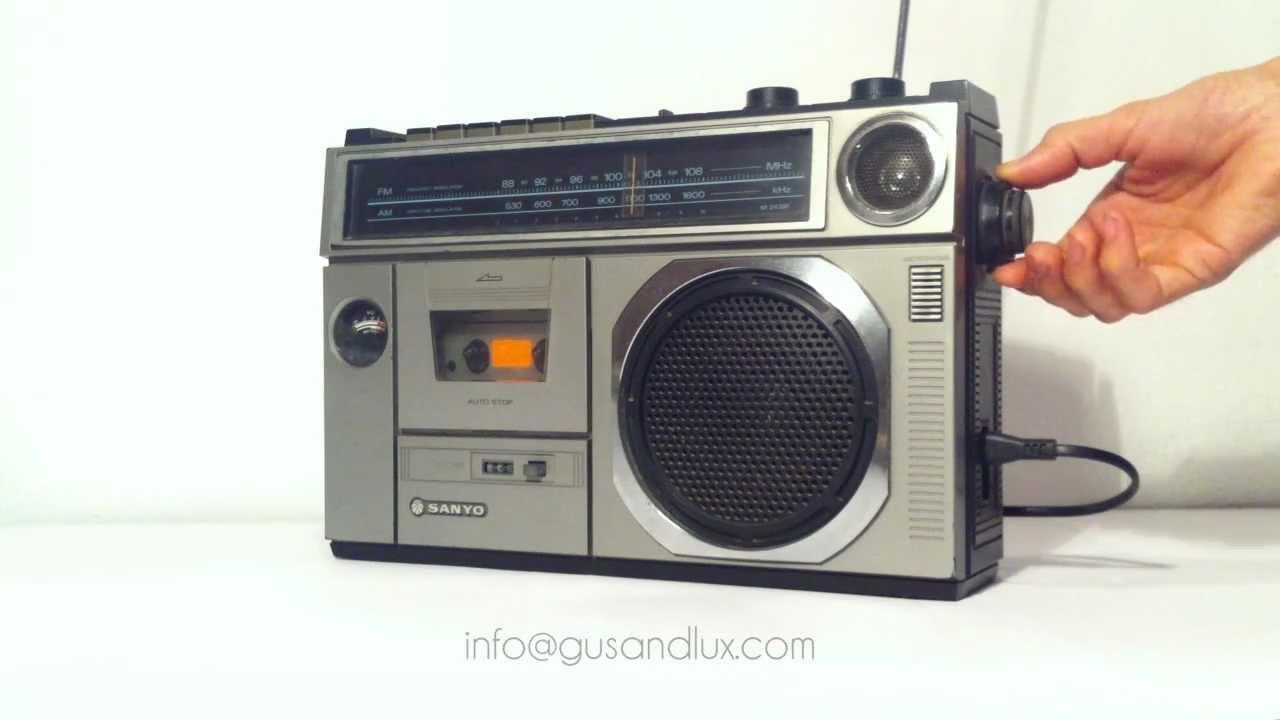 راديو سانيو قديم
