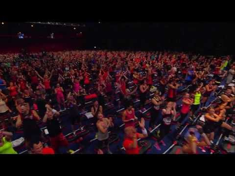 One of the world's largest group fitness class BODYPUMP™ by Les Mills [HD]