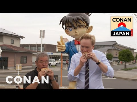 Conan Visits Conan Town In Japan