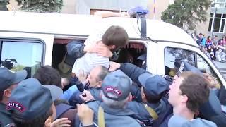 Միջազգային մամուլը շարունակում է անդրադառնալ Հայաստանում ծավալված իրադարձություններին