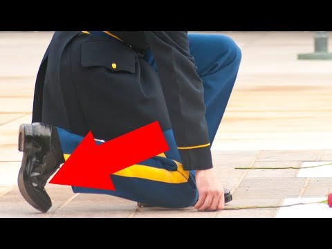 Tomb Of The Unknown Soldier Guard Gets Stabbed And Everyone's Talking About His Reaction