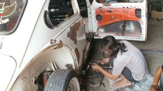 Video Volkswagen beetle 1963 check up body before repainting.flv download MP3, 3GP, MP4, WEBM, AVI, FLV Juli 2018