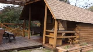 泊まれるキャビンの様子 体験談はこちら:http://smilemam.info/house/chirorin-mura チロリン村って?なんともメルヘンな名前ですよね。 岡山県の中央、吉...