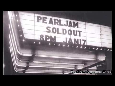 Pearl Jam 1992-01-17 Moore Theatre, Seattle, WA (Bootleg No Oficial)