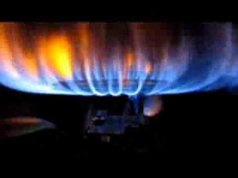 Rheem Water Heater - Yellow Flames - YouTube