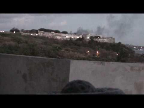 2010 0412 20:05 El Morro: Guide Explains Fortaleza de San Carlos de la Cabaña