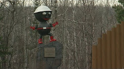 Finding Minnesota: Silver Bay's Globetrotting Mascot