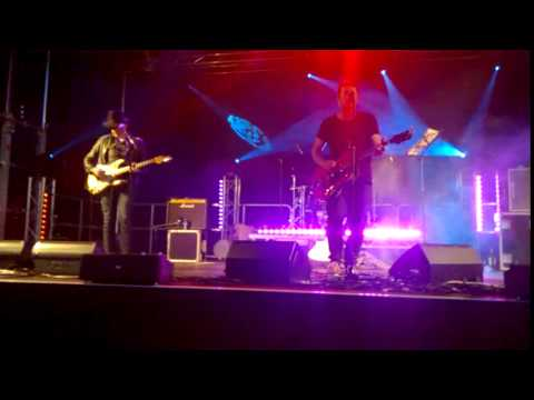 Dodgy - 'If You're Thinking Of Me' - Calnefest, Wiltshire 06/06/2015