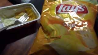 Чипсы Lay's со вкусом сыра и плавленным сыром.