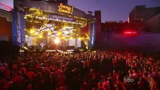 Korn - Oildale (Leave me alone) (Live at Jimmy Kimmel show 2010).MPG