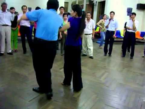 Khiêu vũ Bebop lop4 vũ sư Anh Tuan_cô Hong Ye