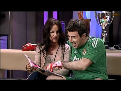 Iker Casillas i Sara Carbonero miren de tornar a ser la parella de moda (Crackovia 3x21)