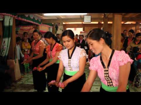 Mua Xoe Dan Toc Thai - Tua Chua