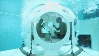В бассейне для дайвинга в Брюсселе открыли подводный ресторан (новости)(http://ntdtv.ru/ В бассейне для дайвинга в Брюсселе открыли подводный ресторан. Бельгийцы Флоренс и Николас готовя..., 2017-02-01T04:40:35.000Z)