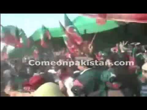 Pashtuns Dancing in PTI Jalsa Karachi, waya waya da pukhtano