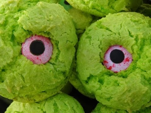 Monster Eye Cookies for Halloween- with yoyomax12