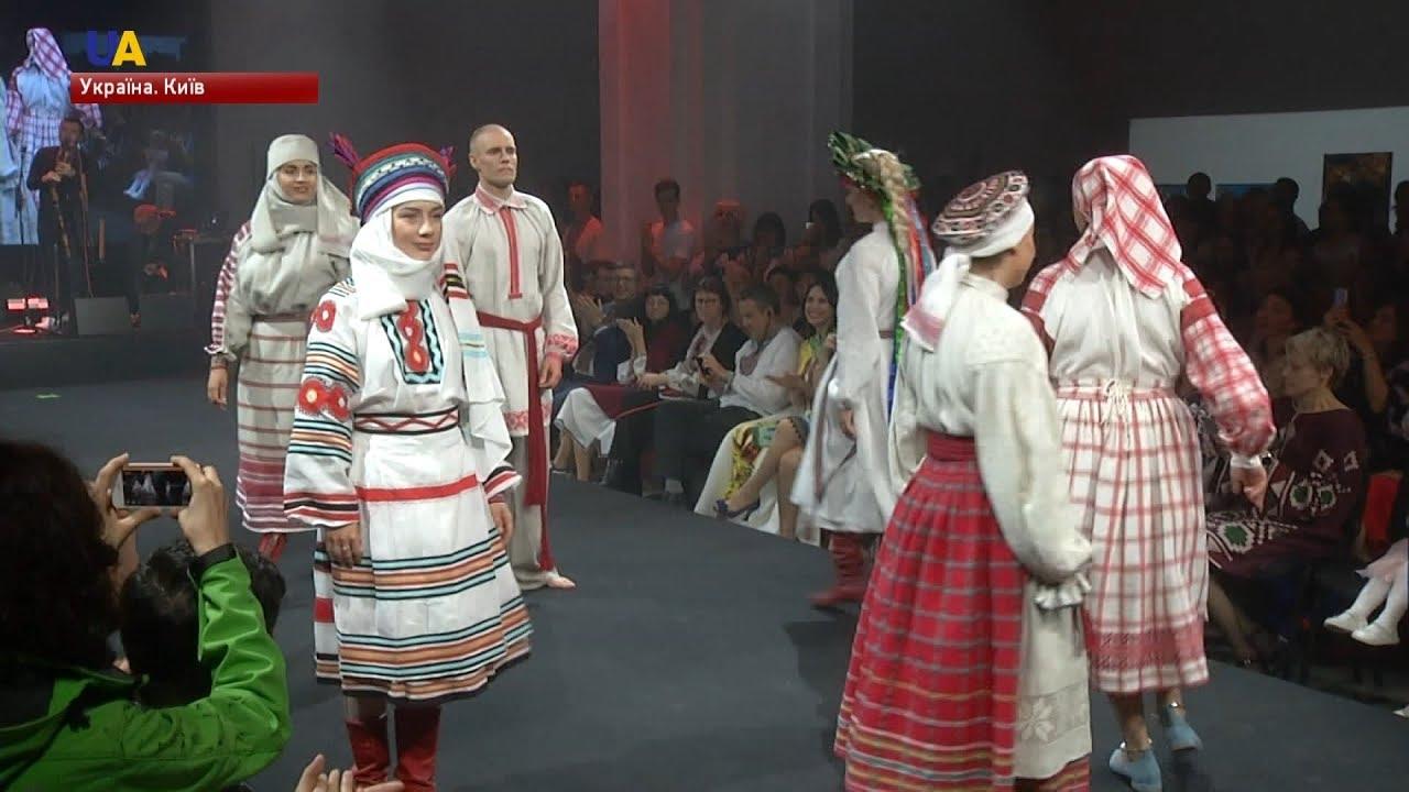 Показ національного вбрання від українських дизайнерів відбувся у Києві 3bdae760d7745