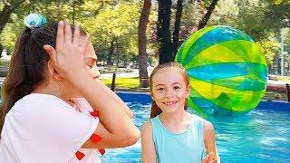 Eğlence Parkı ndaki Dev Havuz da DEV SU TOPU na Girdim Islandım :((