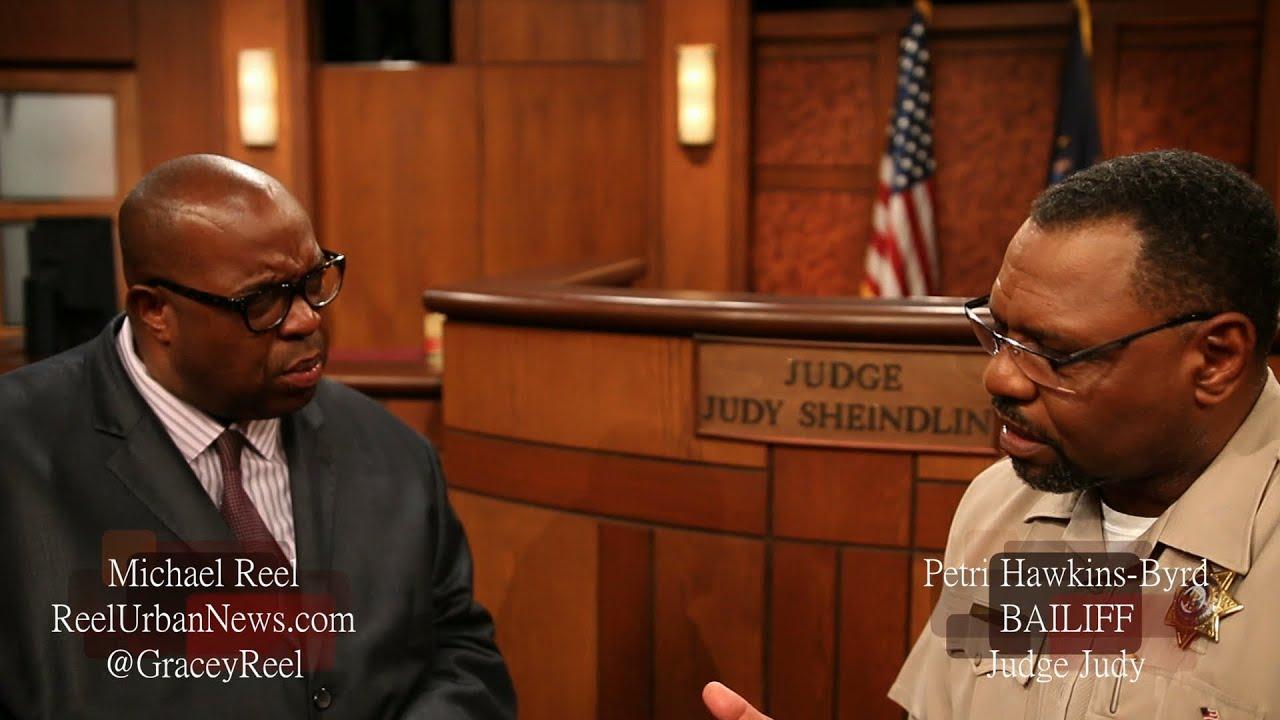 Judge judy bailiff petri hawkins byrd exclusive youtube for I bureautique baillif