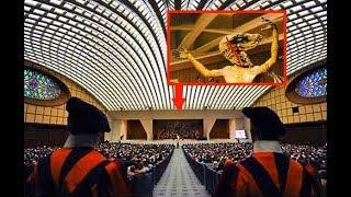 REPTILIANOS en Nuestras Narices - Sala De Audiencia de Pablo VI