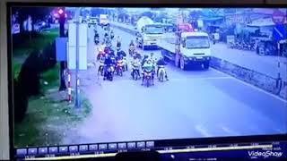 XTV XemTV |Camera cận cảnh tai nạn giao thông Bến Lức, Long An #xtv #xemtv #homnay