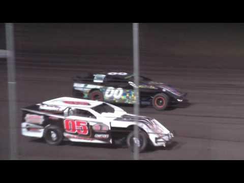 E Class, Stock car racing at Lakeside Speedway KC, KS on 5 12 2017