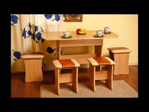 Кухонный уголок включает в себя угловой диван, обеденный стол и два табурета. Данная модель кухонного уголка отличается оригинальным дизайном, а также комфортабельностью. Спинки данной модели мягкие, благодаря чему они снимают напряжение со спины. Скамья кухонного уголка оснащена.