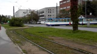 Nikon Coolpix S800c Android camera test video zoom panning, tram in Riga, Latvia