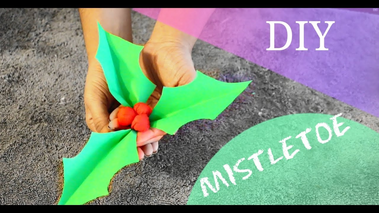 how to make mistletoe 12 diys of christmas diy christmas holly with paper tutorial youtube. Black Bedroom Furniture Sets. Home Design Ideas