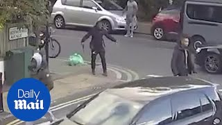 Youth pulls knife during South London street fight