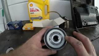 Changing Oil on a Vw Polo 1.6 Classic