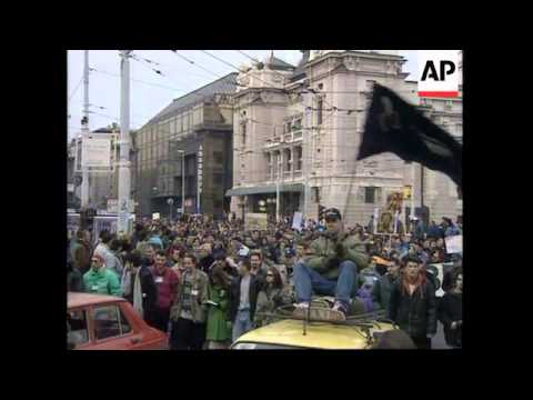 SERBIA: BELGRADE: PROTESTS AGAINST PRESIDENT MILOSEVIC ENTER 22ND DAY