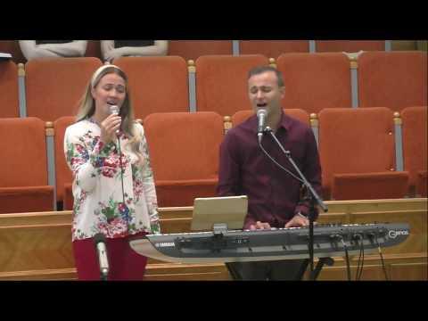 Alin si Emima Timofte - Ce sunt eu, Isus, de m-ai iubit Tu?