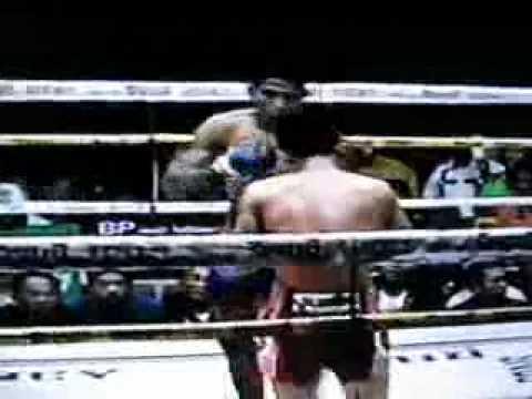 Muay Thai = TV Ch7.com Praplamlek vs Dokmaithong 16/10/2011