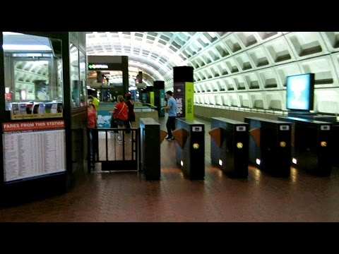 Entering Gallery Place - Chinatown metro station, Washington DC