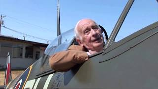 FOREVER A PILOT OF THE SPITFIRE & 303 SQUADRON