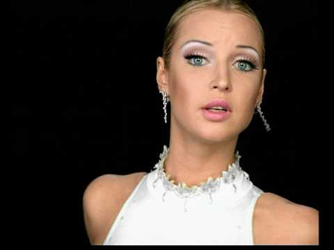 Анастасия Волочкова «Моя хризантема»